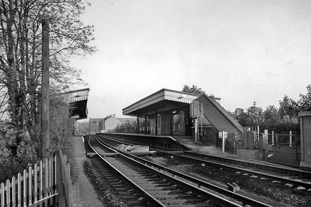 Barnes Bridge Station © Ben Brooksbank cc-by-sa/2.0 ...