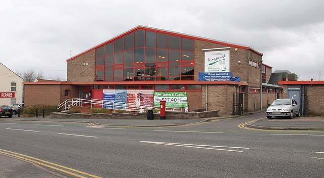 kingswood leisure centre derek harper cc by sa 2 0 geograph britain and ireland