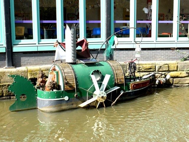 'Seven Stories' boat, Ouseburn