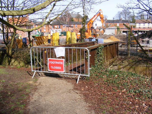 Footpath over New Reach Closed