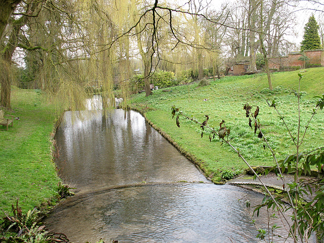 Ornamental ponds at stanton house stephen craven cc by for Ornamental pond