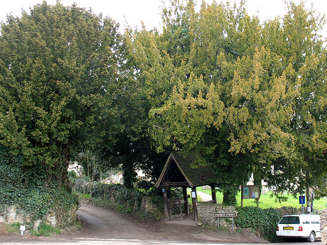 Church of the Assumption, Beckley: lych gate