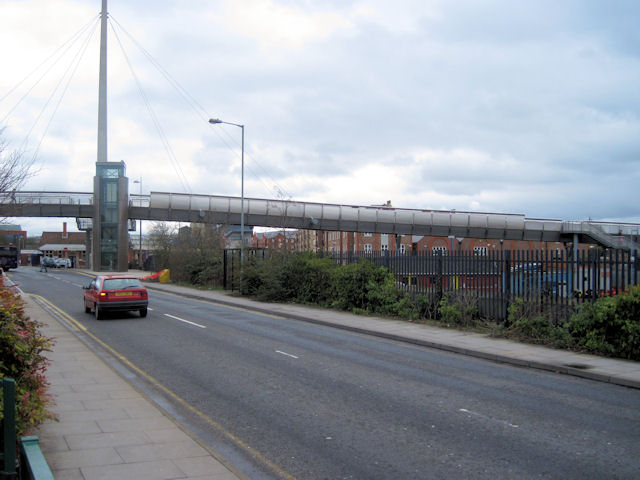 Footbridge over Railway north of Aylesbury Station