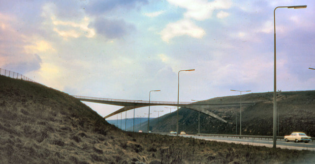 Pennine Way Footbridge Over The M62 169 David Dixon