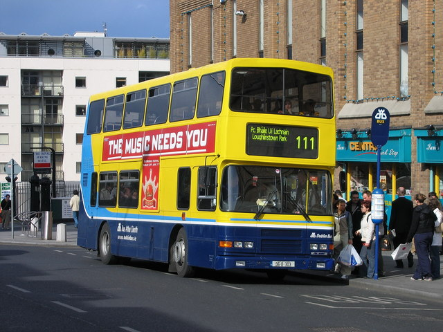 Bus on Marine Road, Dun Laoghaire © Sarah777 cc-by-sa/2.0 ...