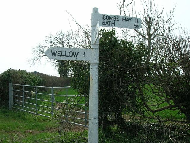 Wellow signpost