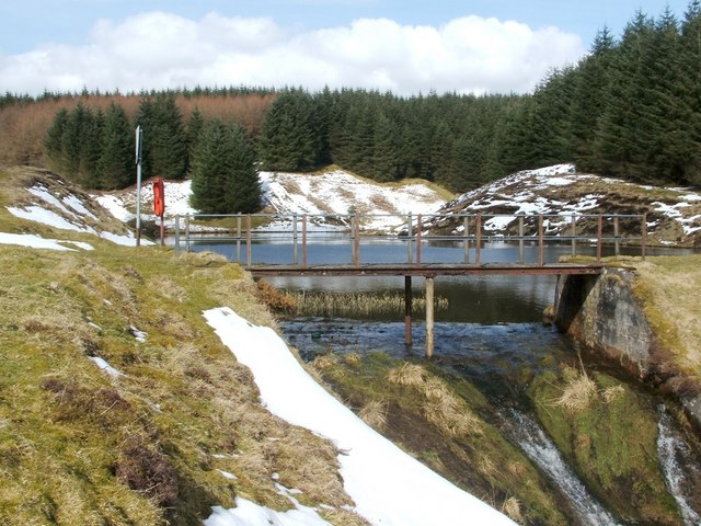 Footbridge over reservoir overflow