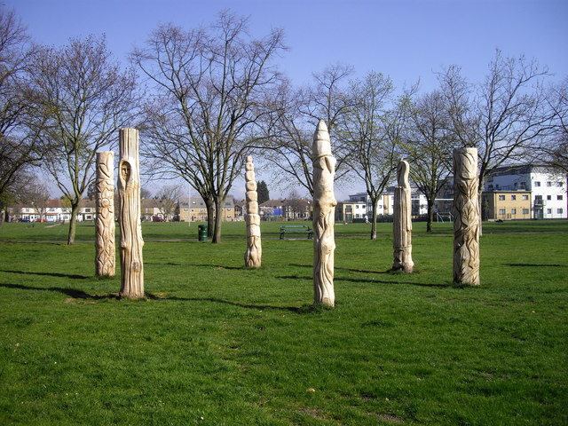Wooden sculptures in Cottons Park