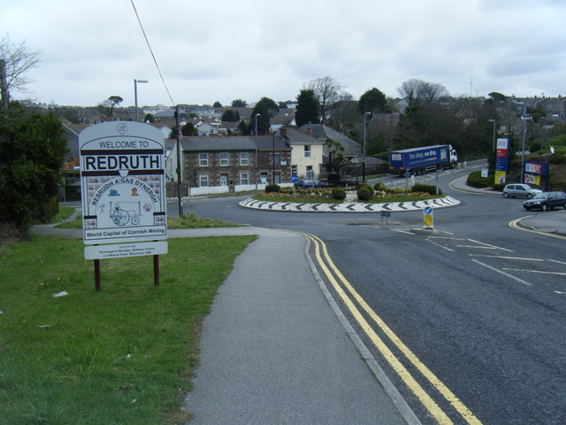 Tolgus Hill roundabout/Welcome to Redruth