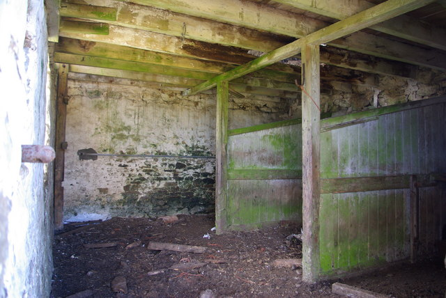Disused barn at Belmount farm