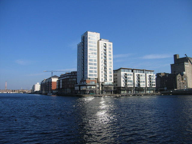 millennium tower grand canal docks 169 sarah777 ccbysa2