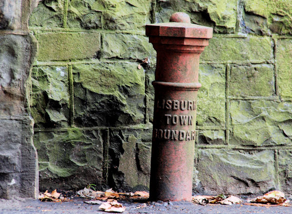 Boundary post, Hilden (1)