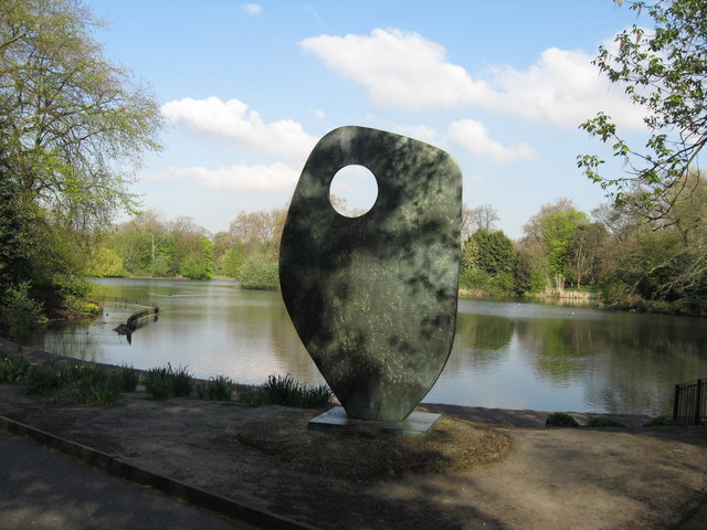 Sculpture, Battersea Park © Richard Rogerson cc-by-sa/2.0 ...