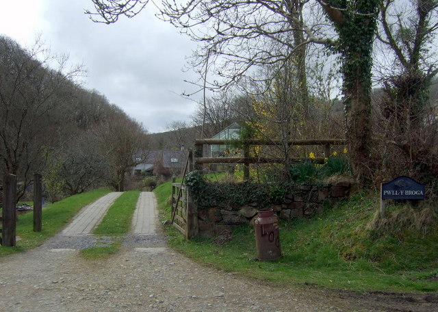 Entrance to Pwll-y-broga