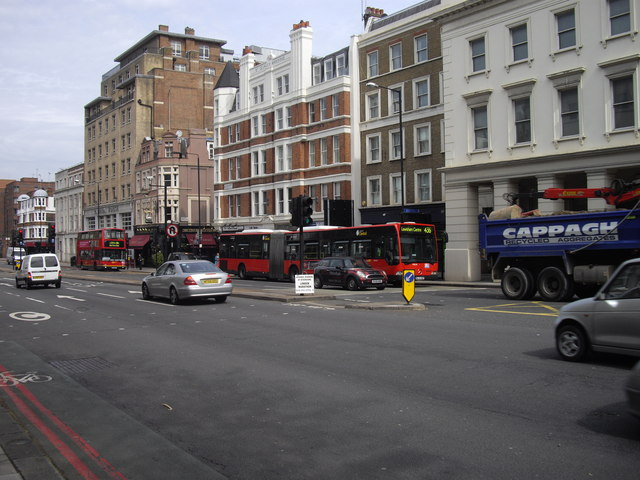 436 articulated bus approaching Vauxhall Bridge, London