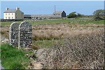 R0877 : Farm at Caherogan by Graham Horn