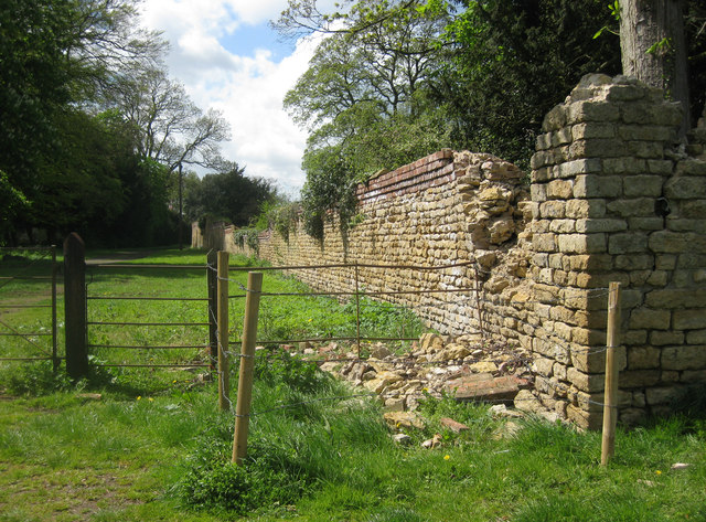Garden wall, Scawby Hall