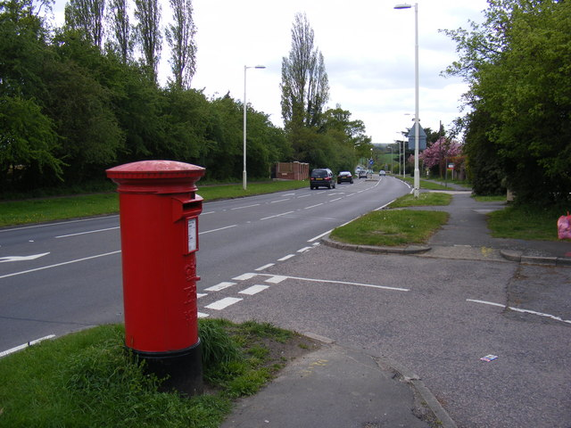 A129 London Road and London Road Postbox