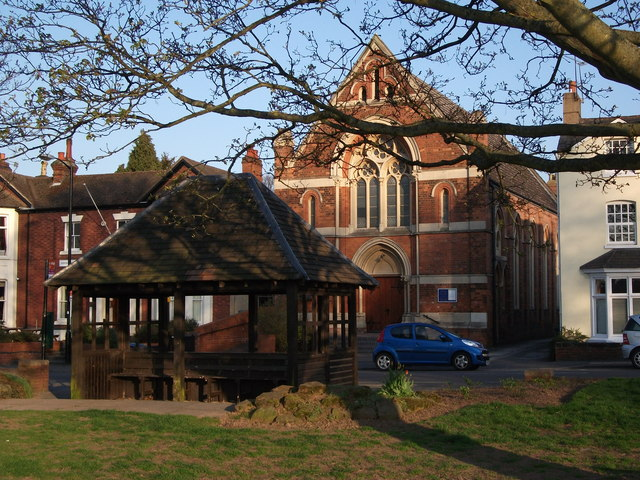 Bus shelter and United Reformed Church, Abbey Hill, Kenilworth