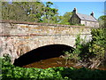 NT6977 : Bridge Over the Brox Burn, Broxburn, Near Dunbar, East  Lothian by Richard West