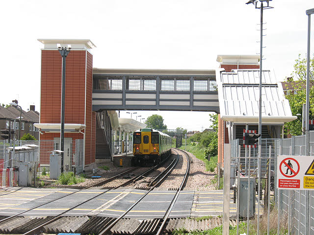 Eastfields station - southbound platform