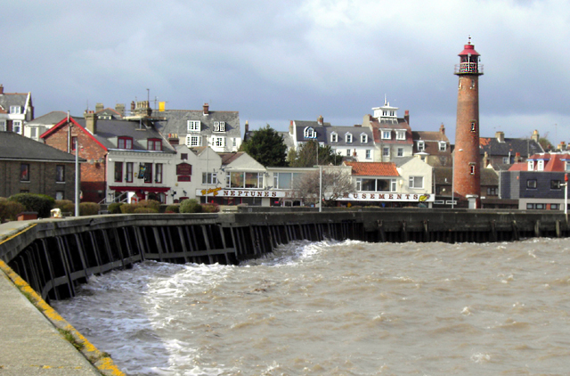 View of Gorleston Lighthouse from the pier