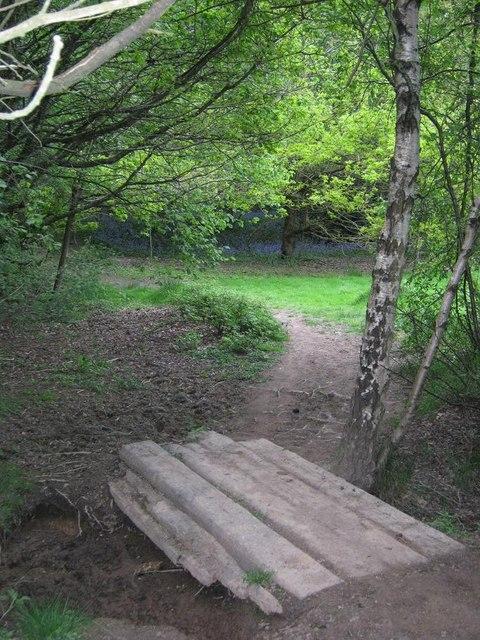 Bridge across dried up stream, Meriden... © Michael ...