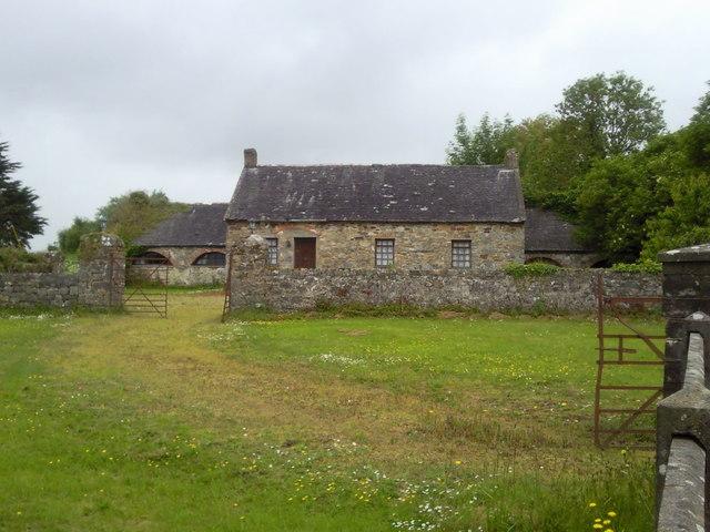 Ireland Stone Building : Stone house and outhouses near cratloe c o flanagan