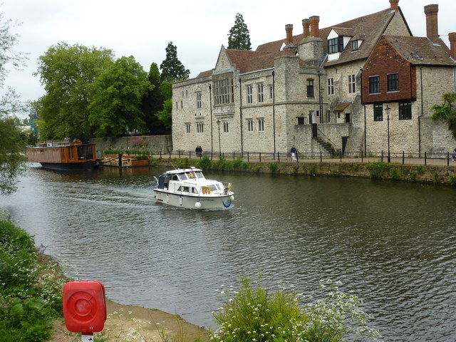 Pleasure boat passing the Archbishop's Palace, Maidstone