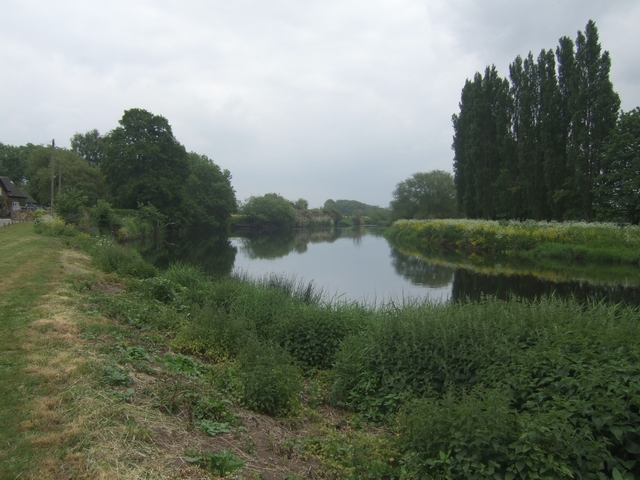 River Trent downstream at Barrow -on -Trent