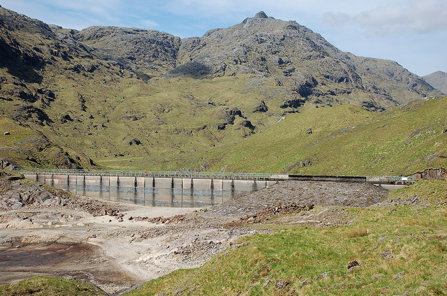 North Cruadhach dam and Ben Aden