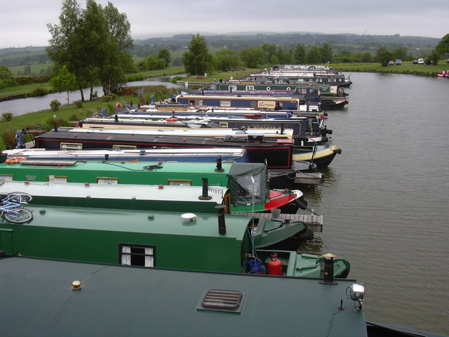 Reedley Marina, Barden Lane, Burnley, Lancs BB12 0DX