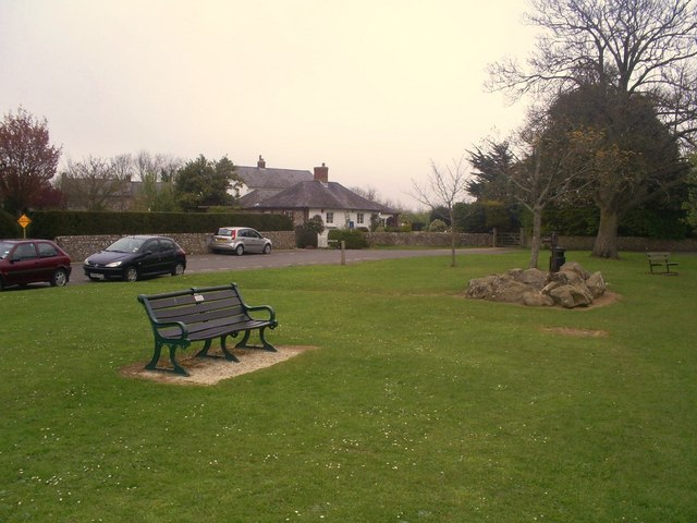 Seat and pump, South Street , Falmer