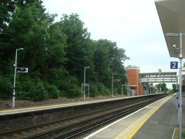 Greenhithe railway station