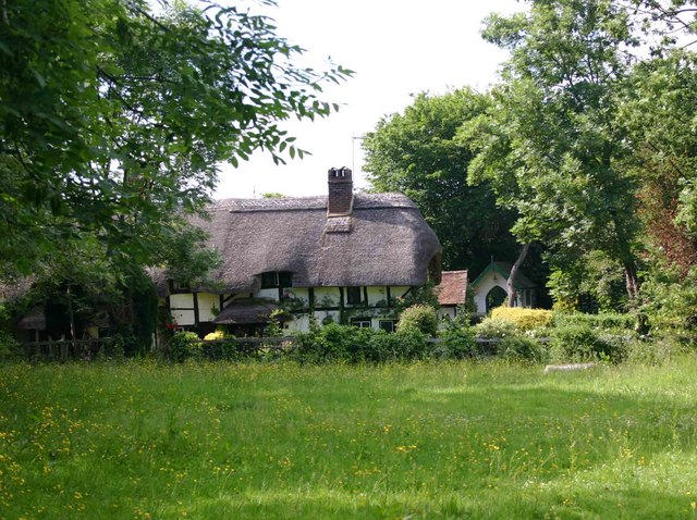 A thatched cottage in Shottery that isn't Anne Hathaway's