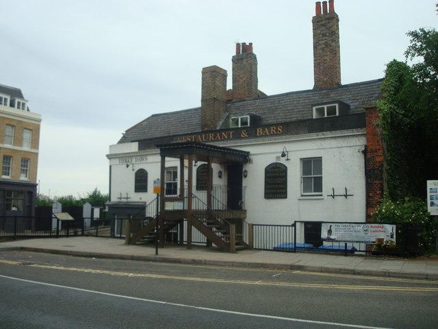 The Three Daws public house, Gravesend