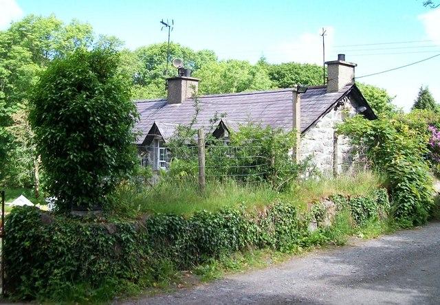 Angorfa - a riverside cottage