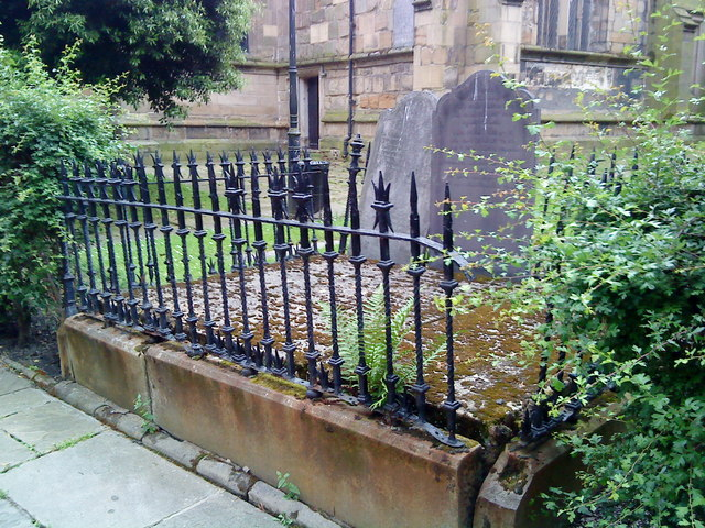 Collapsing tomb in the churchyard at St. Mary's, Nottingham