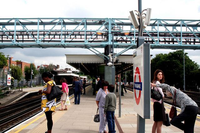 Woodford station, Essex