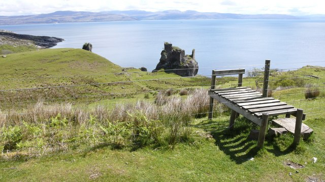 Stile leading down to Brochel Castle, north Raasay
