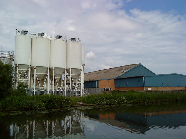 Industrial units adjacent to the Beeston Canal