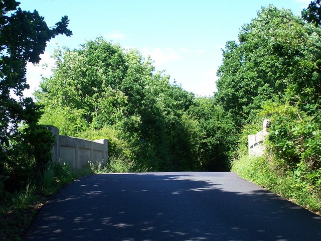 Bridge carrying Rushington Lane over railway