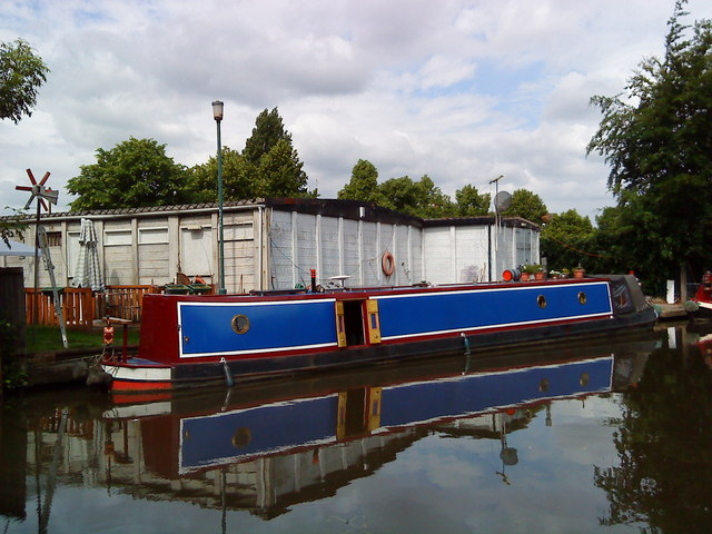 Narrowboat on the Beeston Canal