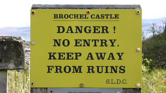 Warning sign at Brochel Castle, Raasay
