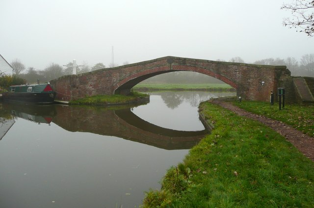 Towpath bridge, Great Haywood