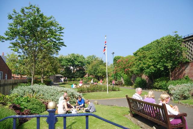 Small public garden off Murray St