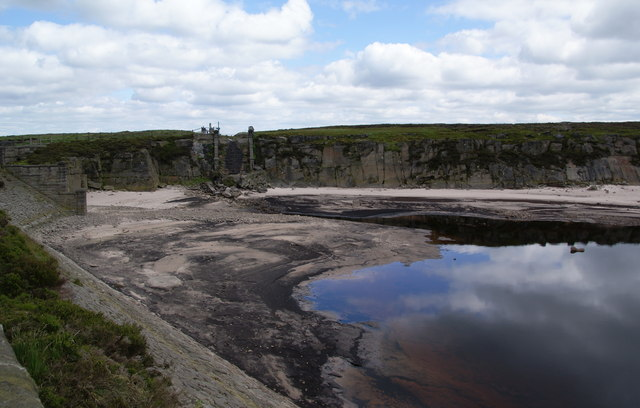 The northern tip of Warland Reservoir