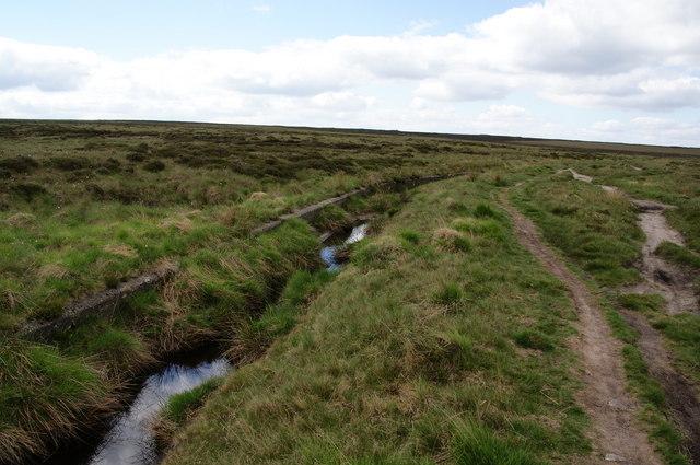 The Pennine Way alongside Warland Drain
