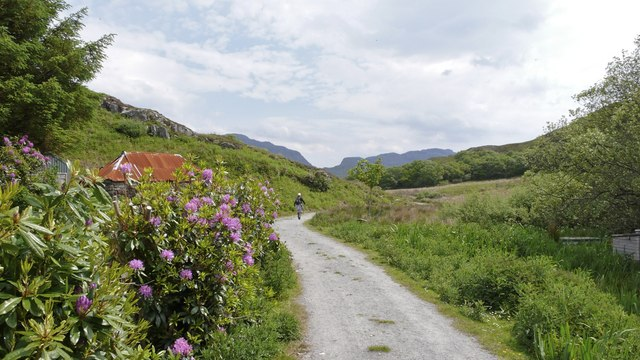 Start of the footpath from Glasnacardoch to the nearby lochs