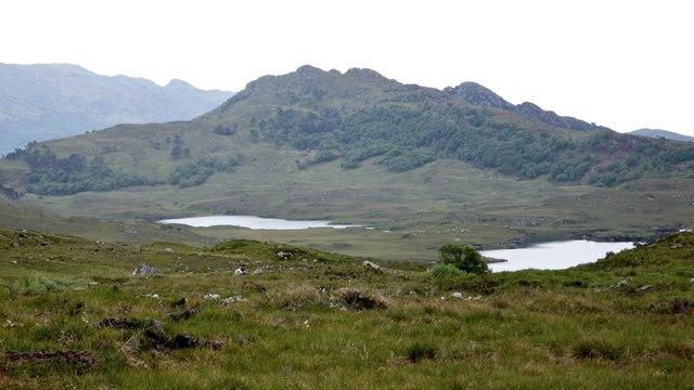 Lochan a Mheadhain seen from the path to Eireagoraidh